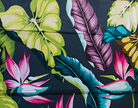 Tropical pattern on the wall