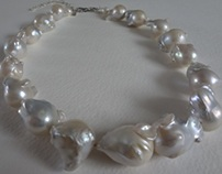 Baroque Pearls Necklace.