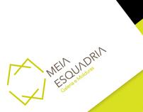 Meia Esquadria, Identity