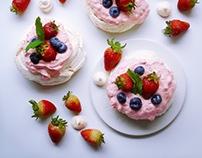 Food Photography - Mini Pavlovas