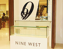 "Jewelry display case ""Nine West"""