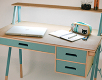 Pochemushka Desk