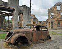 Dark tourism? / Oradour-sur-Glane / burned cars