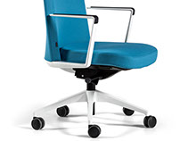 Cron, the dynamism and usefulness in a classic chair