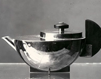 Tee-Extraktkaennchen MT 49 by Marianne Brandt