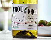 FROU FROU wine packaging