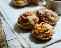 Food photography/White chocolate and raspberry muffins