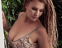 Simmone Jade Mackinnon - Australien Actress