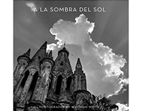 A LA SOMBRA DEL SOL / IN THE SHADOW OF THE SUN