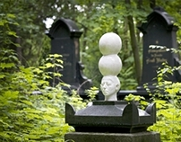 Friedhof Berlin. Sommer (Berlin Cementery)