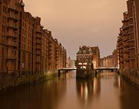 Hamburg at night III