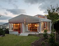 Split Villa / Pac Studio