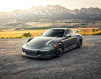Porsche GT3 Overlooking the Flatirons