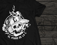 El perro de la C / T shirt design