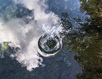 lanzando piedras al lago