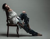 Nina e a cadeira
