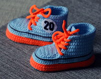 Racing sneakers with gulf colors