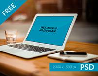 Free Mockup MacBook - PSD -