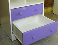 Biblioteca con escritorio rebatible