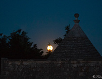 Full moon/TRULLO
