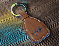 Free Leather Keychain Mockup PSD