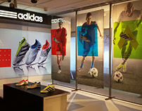 Escaparate Adidas Mercury Pack en IT Rambla (Barcelona)