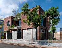 CHIVI HOUSE