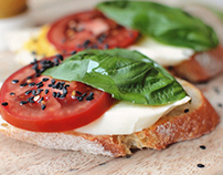 Bruschetta with tomato and mozzarella (Cinemagraphs)