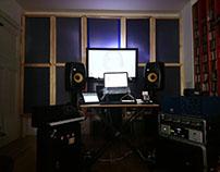 Modular sound absorbent wall