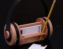 Headphones-inspired Desk Organiser