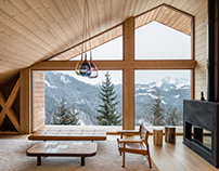 Trendy Alpine Cottage by Studio Razavi