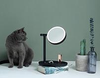 Spin makeup mirror