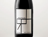 Riallo Pistollo Wine Label Design