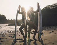 Jelinjing Beach surf with Emily Gussoni & Giada Legati