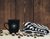 Freebie : Dark Coffee Mug Mockup