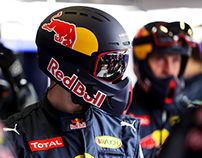 RED BULL Racing Formula One Team / Pit Crew Helmet