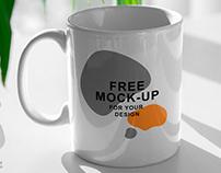 Free Mug Mock-Up