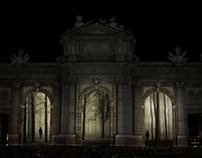 Luna de Octubre. Puerta de Alcalá, Madrid.