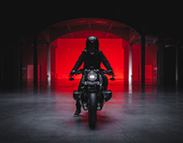 Hunt or be hunted - Falcon BMW R9T