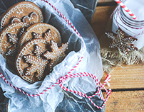 Openwork gingerbread bookies