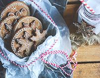 Openwork gingerbread bookies