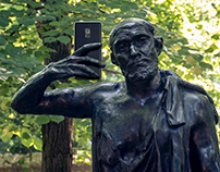 selfie statues
