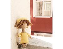 Toy design / yellow queen