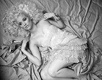 Forever Blonde – Liz Trinnear