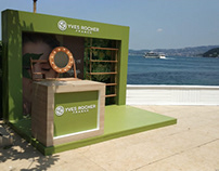 Outdoor stand