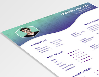 Free Simply & Clean Resume Template