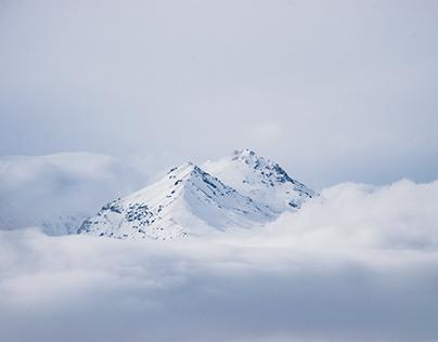 Winter hiking to Ara mountain