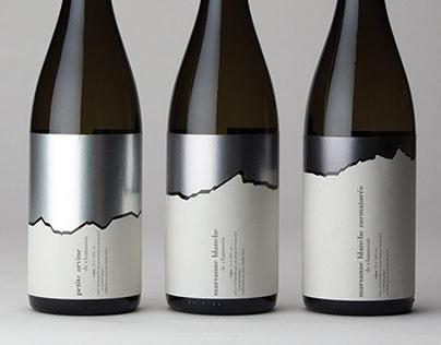 Triptyque d'étiquettes de vin