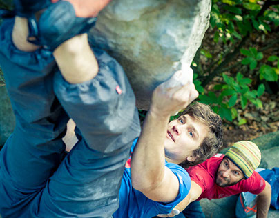 Nihil climbing apparel in Fontainebleau