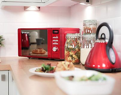 4 Proven Methods To Clean Your Microwave
